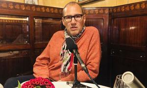 Christian Seiler beim Gespräch im Schwarzen Kameel.