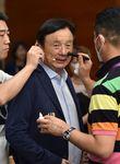 Der 75-jährige Ren Zhengfei leitet de facto Huawei. Unklar ist jedoch, wer bei der Eigentümerschaft das Sagen hat.