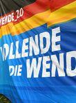 """Björn Höcke (47) versucht im Thüringen-Wahlkampf, die friedliche Revolution von 1989 zu kapern. Die AfD wirbt mit Slogans wie """"Vollende die Wende"""" oder """"Wende_2.0""""."""