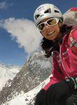 Die höchsten Berge sind ihre Lehrmeister. Als erste Frau schafft es Gerlinde Kaltenbrunner, mit Willensstärke und Respekt vor der Natur sämtliche Achttausender-Gipfel zu besteigen.