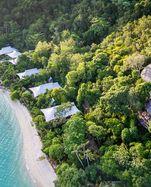 Eingebettet. Das Resort Bawah liegt paradiesisch mitten in der Natur.