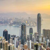 Skyscrapers in central Hong Kong seen from Victoria Peak at sunrise Hong Kong, Hong Kong Island, Hong Kong PUBLICATIONxI
