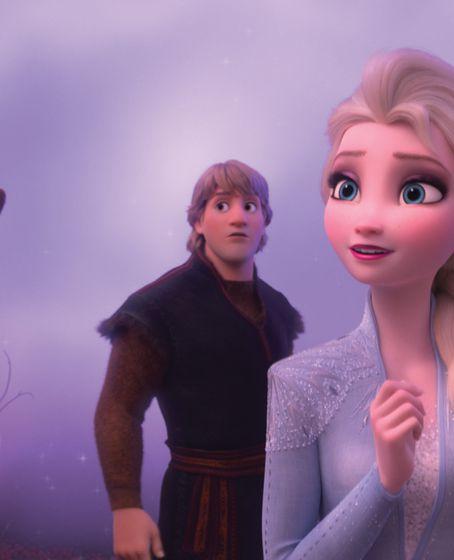 """""""Eiskönigin"""" Elsa und ihre Schwester Anna kommen zum zweiten Mal ins Kino. Hier ist es allen Klischees zum Trotz übrigens ein Mann, der mit einem Tier (seinem Rentier) spricht."""