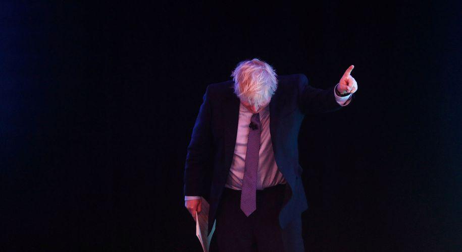 The show must go on: Boris Johnson stellt sich als das schlampige Genie dar.