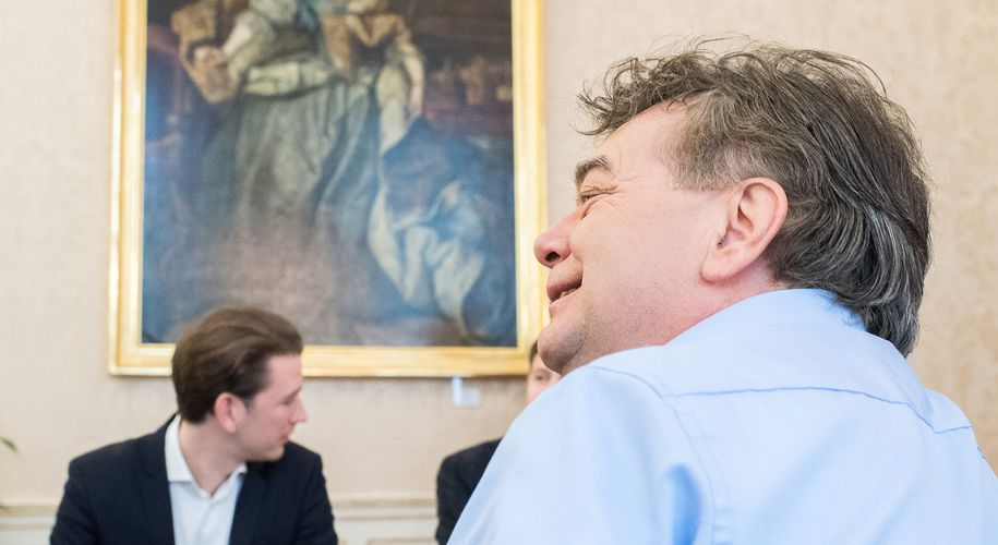 """""""Keep cool"""", sagte Grünen-Chef Werner Kogler (r.) am Sonntag angesichts der Sticheleien aus der ÖVP."""