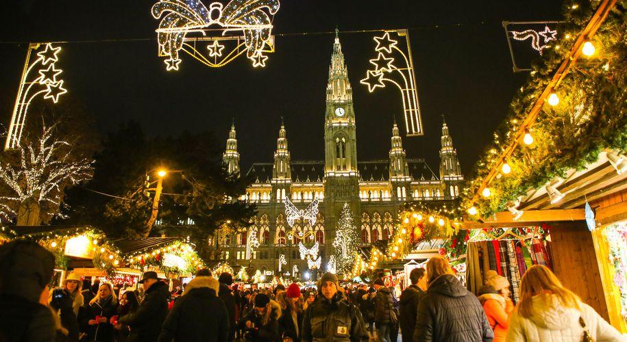 Saisonstart: Der Christkindlmarkt auf dem Wiener Rathausplatz hat wieder geöffnet. (Archivbild)