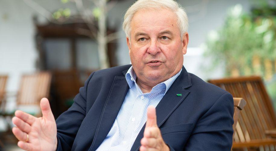 """""""Ich kandidiere für fünf Jahre"""", sagt Hermann Schützenhöfer."""