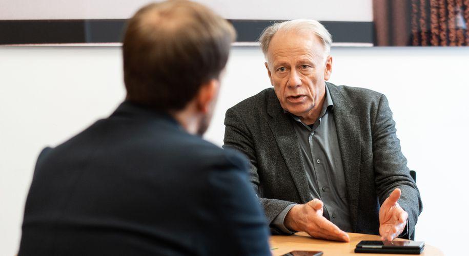 """Trittin im """"Presse""""-Interview: """"Koalitionsvereinbarungen in Deutschland haben eine ganz andere Struktur."""