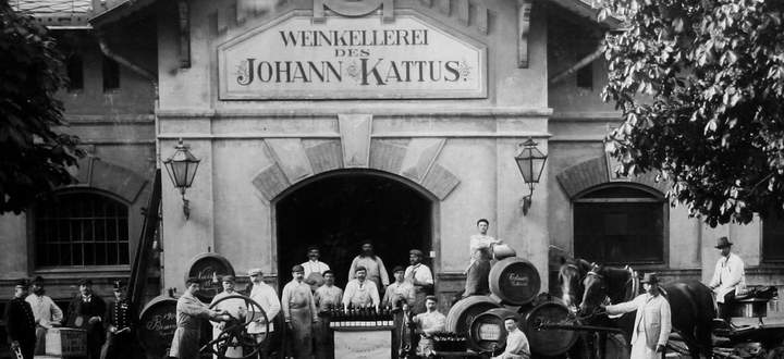 Zum Kaviar den Sekt: Kattus wurde zum k.u.k. Hoflieferanten.