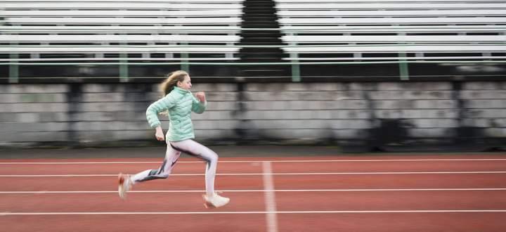 Relativer Energiemangel im Sport, kurz RED-S genannt, kommt sehr häufig bei (Hobby-)Sportlern vor, die Gewicht verlieren möchten.