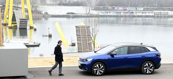 Angriff im passenden Format: VW ID.4 als elektrisches Kompakt-SUV.