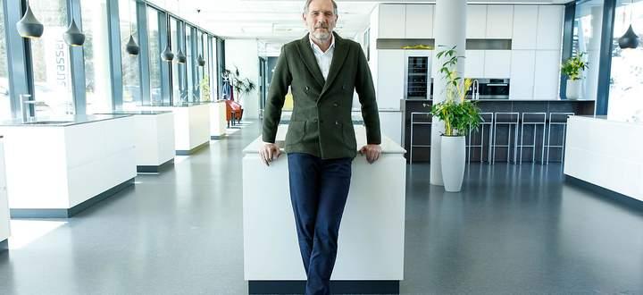 Johannes Artmayr, Chef von Strasser Steine in St. Martin in Mühlkreis: Seine Firma produziert Natursteinplatten für Küchen.