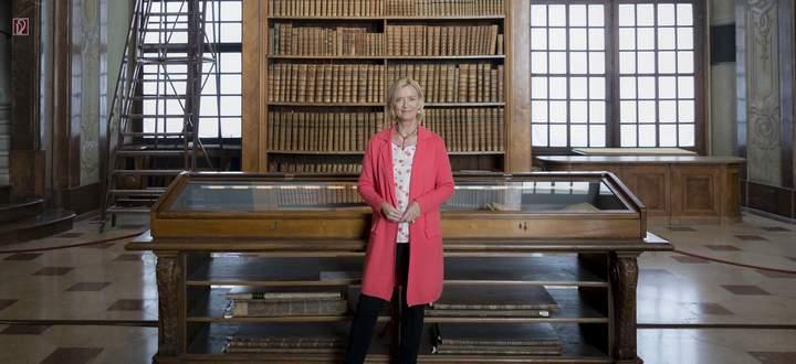 Generaldirektorin Johanna Rachinger in der Nationalbibliothek: Der Prunksaal sowie mehrere andere Räume werden heute zur Wahlzentrale.