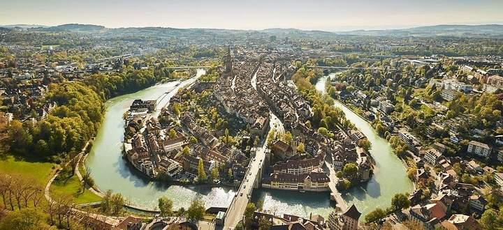 Berns Altstadt in der Fluss-Schlaufe der Aare.
