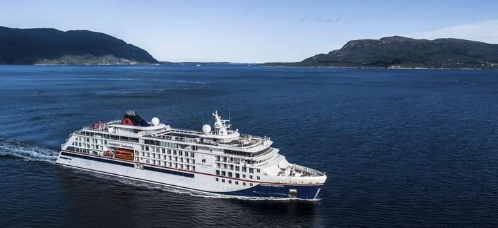 Expeditionsschiffe müssen nicht bloß funktionell sein: Auf der Hanseatic Inspiration gibt es drei Restaurants, größere Kabinen und Suiten. Zudem viel Wissensvermittlung.