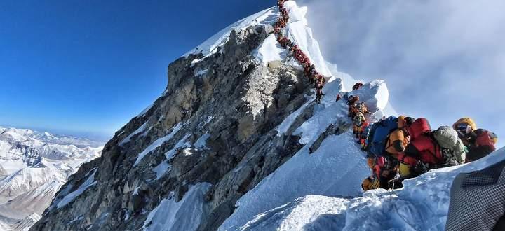Schlangestehen am Mount Everest, Mai 2019.