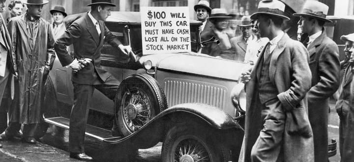 """1929 war die Party vorüber. In den """"Roaring Twenties"""" hatten sich viele Menschen hoch verschuldet, um Autos und Aktien zu kaufen."""