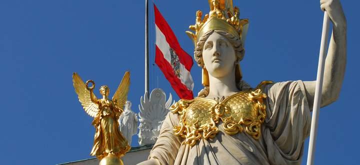 Wir-Bewusstsein und nationale Identität der Österreicher. Im Bild Symbole der Republik.