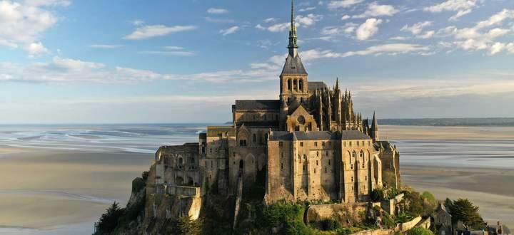 Mont Saint-Michel: Unesco-Welterbe und zu normalen Zeiten entsprechend von Touristen gestürmt.