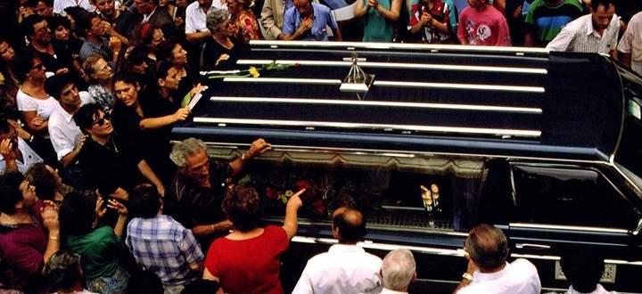 Mörderische Mafia. Bild vom Sarg des legendären Richters Paolo Borsellino, der 1992 zusammen mit fünf Leibwächtern in Palermo durch eine Autobombe getötet wurde.
