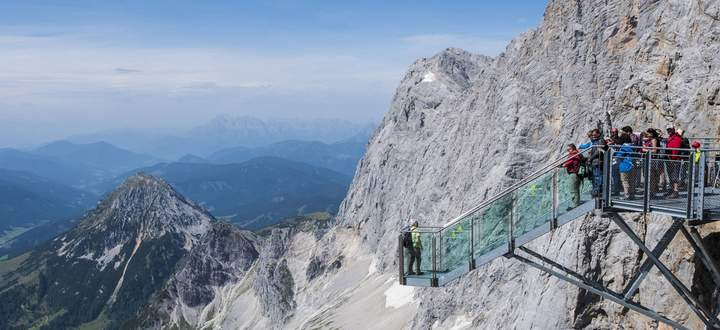 The Path To Nothingness on the Hoher Dachstein in Austria PUBLICATIONxINxGERxSUIxAUTxONLY Copyright