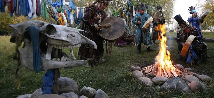 Ein Schamanen-Ritual in der Nähe von Kyzyl