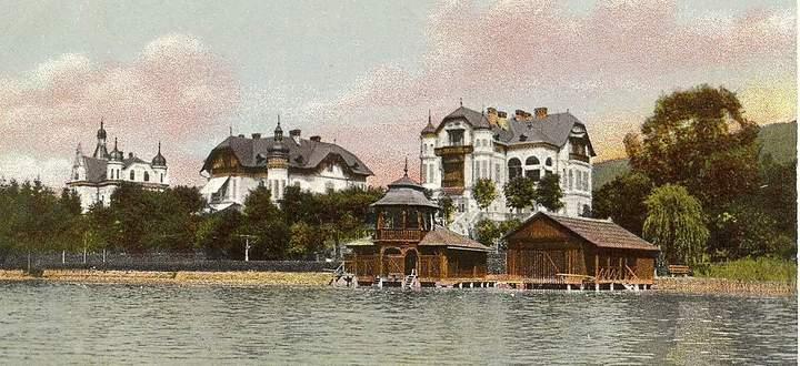 Wörthersee-Architektur hat überdauert: Das Villenensemble in der Ostbucht in Pörtschach steht noch heute.