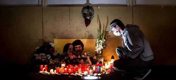 Auch in der Pandemie gedenken einige Slowaken des Mordes an Ján Kuciak und seiner Verlobten.