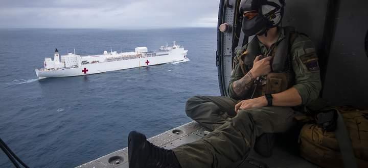 Das Marine-Krankenhausschiff USNS Comfort verfügt über 1000 Räume und über Operationssäle.