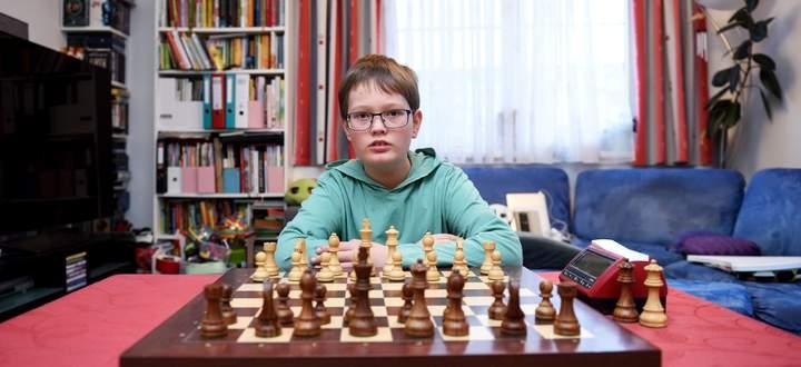 Philip Aschenbrenner aus Wien zählt zu Österreichs Nachwuchshoffnungen. Bei Turnieren tritt der Volksschüler auch gegen Erwachsene an.
