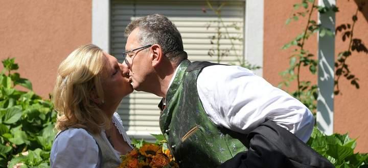 HOCHZEIT VON AUSSENMINISTERIN KNEISSL IN DER STEIERMARK: KNEISSL / MEILINGER