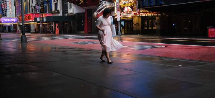 Die Pandemie ließ auch die US-Wirtschaft einbrechen. Im Bild: der fast menschenleere Times Square.