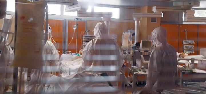 News Bilder des Tages Rom 25.03.2020 Corona Krise: Pressetermin in der Intensivstation des Casal Palocco Krankenhaus; I