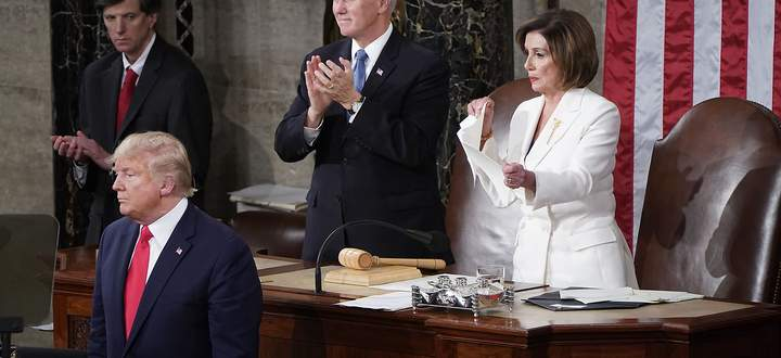 Speaker of the House Pelosi (D-CA) rips up U.S. President Trump´s speech alongside Vice President Pence following the State of the Union address at the U.S. Capitol in Washington