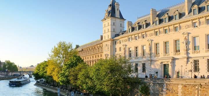 Ort mit wechselhafter Geschichte: die Conciergerie auf der Ile de la Cité, einst Revolutionsgefängnis.