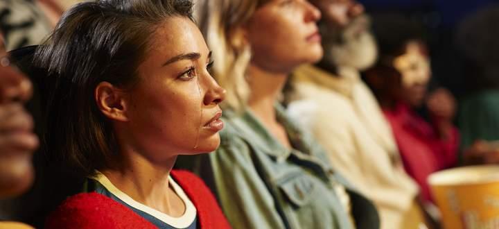 Oft sind es Momente unerwarteter Güte vor tragischem Hintergrund, die uns in Filmen zu Tränen rühren.