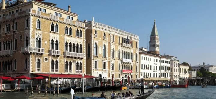 Canal Grande mit Hotel Bauer Palazzo