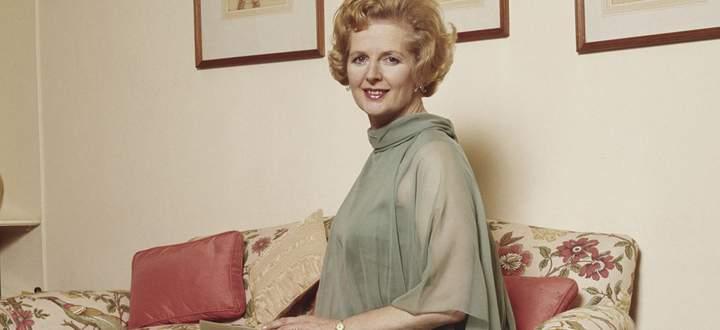 Mit femininer Ästhetik und brachialer Rhetorik an die Macht. Thatcher 1974.