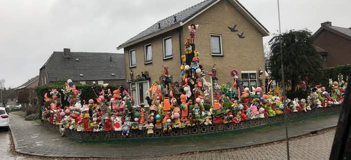 Bunte Vorgartenhölle in Holland.