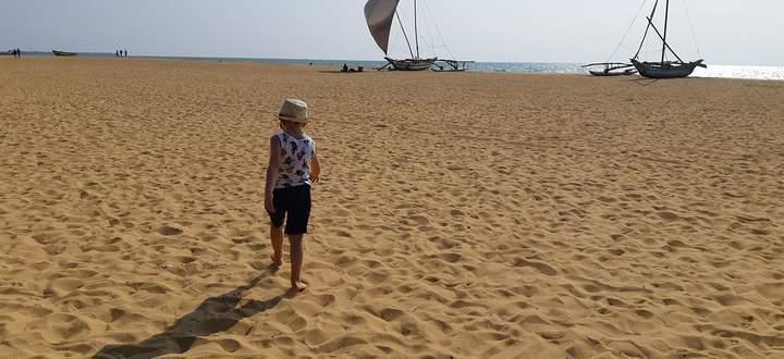 Am Anfang freut man sich: Der Stand in Negombo ist menschenleer.