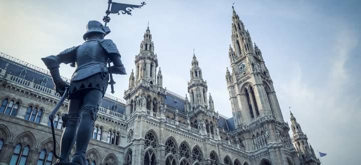 Das Rathaus auf dem Rathausplatz in Wien.