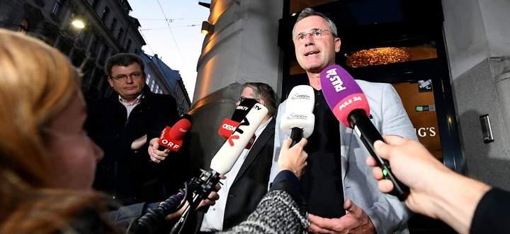 Norbert Hofer soll – anders als Strache oder Haider vor ihm – nicht als alleiniger Frontmann der FPÖ aufgebaut werden.