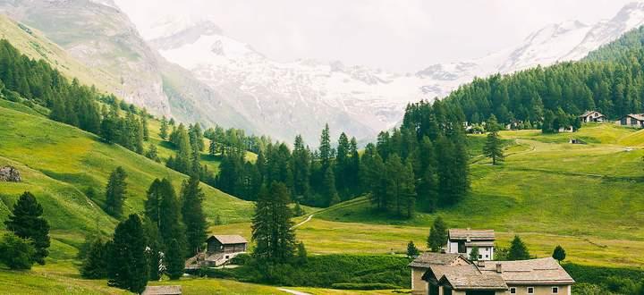 Das Val Fex ist ein schlankes Seitental im Oberengadin. Bei Sils zweigt es in Richtung Bernina ab.