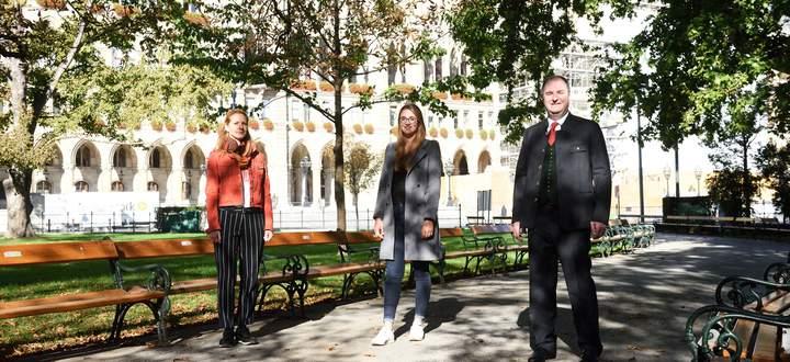 Von links: Barbara Schmoigl (Niederösterreich), Franziska Kottnig (Oberösterreich) und Rudi Greinix (Steiermark) leben alle drei in Wien.