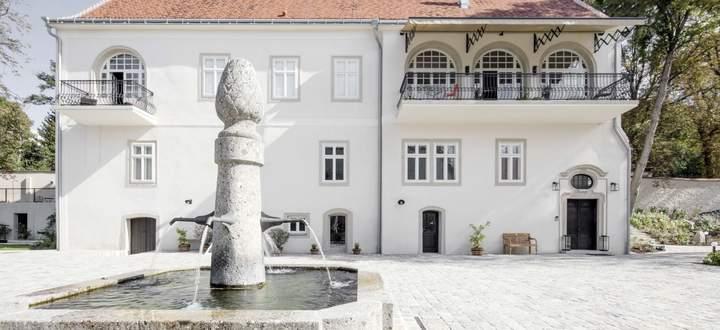 Einst der Meierhof von Schloss Winklberg in Mitterstockstall am Wagram, heute Teil des Weinguts Wagram.