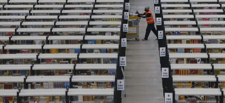 Die Paketzustellung hat sich seit 2009 verdoppelt. US-Gigant Amazon wandelt sich vom Post-Kunden zum Konkurrenten.