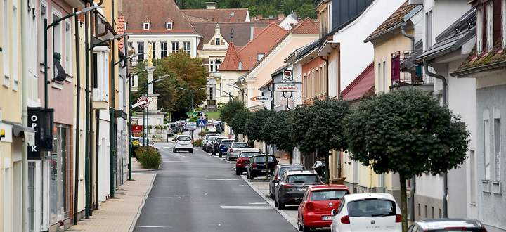 Blick auf den Hauptplatz in Pinkafeld.