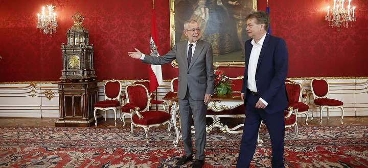 Die Hoffnung in der ÖVP: Alexander Van der Bellen (l.) hilft Werner Kogler, die linken Grünen zu zähmen.