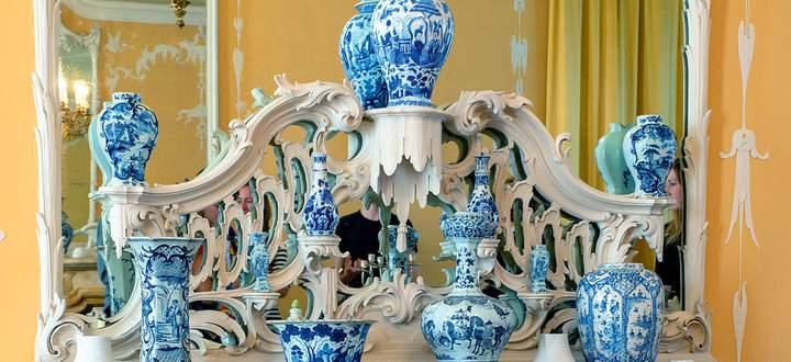 """Opulent. Der barocke Raum von Schloss Pillnitz ist die Bühne für """"Conversation Pieces""""."""