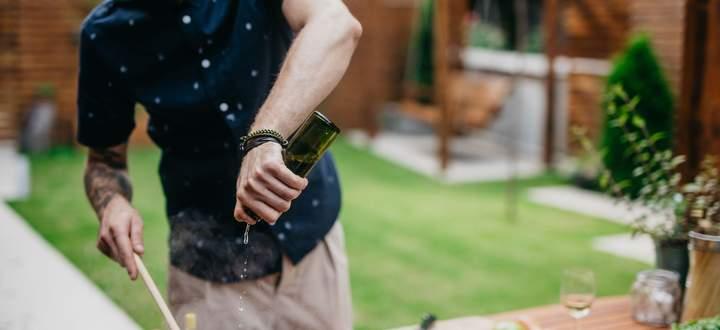 Wer seine Outdoorküche oft nützen will, sollte sich mit den Nachbarn vertragen.